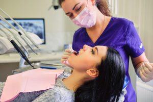 zaehne blaechen lassen beim zahnarzt
