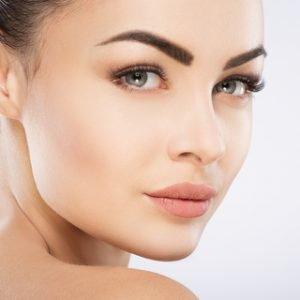 Fünf Schritte zur perfekt geformten Augenbraue
