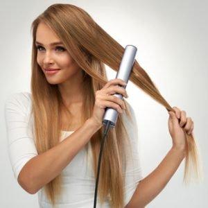 Haarpflege im Sommer: Stylist Sascha Breuer im Interview über Hitzeschutzspray