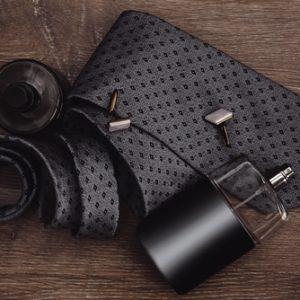 Der perfekte Herren-Duft zum Business-Look - mit Fingerspitzengefühl dem Umfeld entsprechend auswählen
