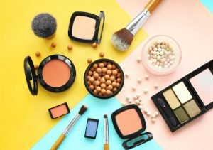 Reinigen, Cremen, Schminken: Das sollte man bei Nesselsucht beachten