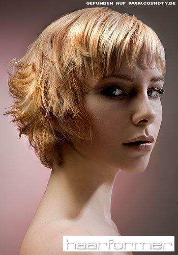 Asymmetrischer Bob-Schnitt für feines Haar