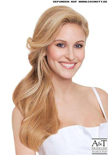 frisuren bilder blonde l ngen mit seitlichem scheitel frisuren haare. Black Bedroom Furniture Sets. Home Design Ideas