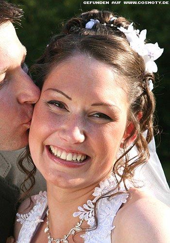 Braut-Frisur mit neckischen Kringellocken