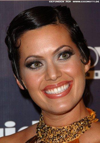 Cindy Iglesias: Short-Cut in glamourösen Wasserwellen