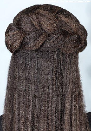 Dicker geflochtener Haarkranz am Hinterkopf aus gekreppten Haaren
