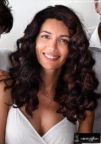Frisuren Bilder Dickes Haar Mit Fulligen Naturlocken Frisuren Haare
