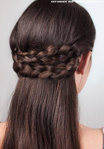 Doppelt gesteckter Haarkranz aus geflochtenen Zöpfen