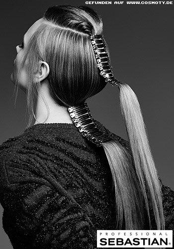 Doppel-Zopf mit Haarclipsen im Sleek-Look
