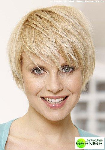 Einfacher Sleek-Look für kurzes Haar