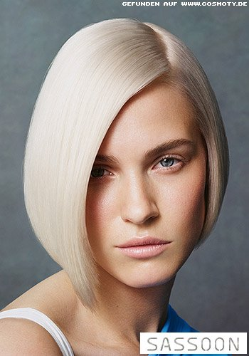 Eleganter Sleek-Bob in kühlem Blond