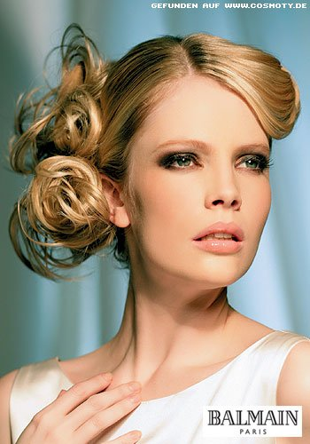 Frisuren Bilder Elegant Locken Seitlich Festgesteckt Frisuren Haare