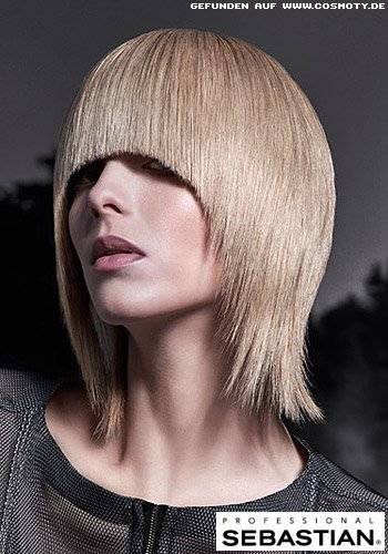Extravaganter, hellblonder Bob im Sleek-Look