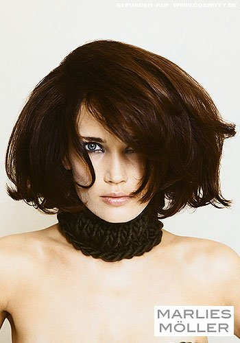 Femininer Bob mit lockerem Volumen-Styling