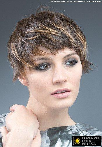 Fransiger Pilzkopf mit betont nach außen gezwirbelten Haarspitzen