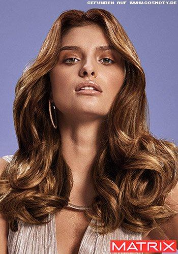 Glamouröse Wellen mit goldenen und bronzefarbenen Schattierungen