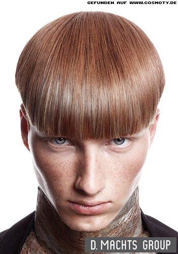 Glatt gebürsteter Pilzkopf in leicht rötlichem Blond