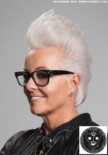 Graues Haar im stylischen Irokesen-Look