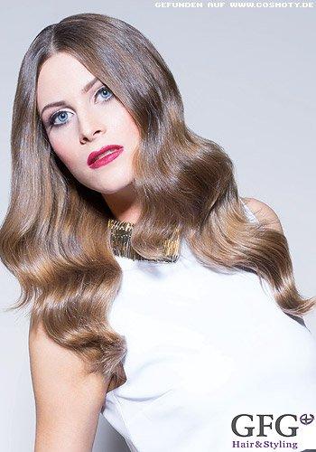 Große Glamourwellen mit Farbverlauf in Blond