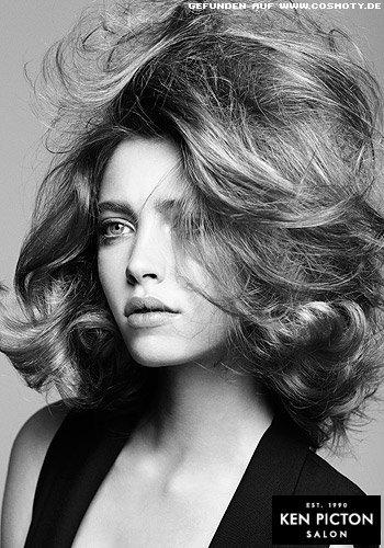 Große Wellen für große Bewegung im Haar