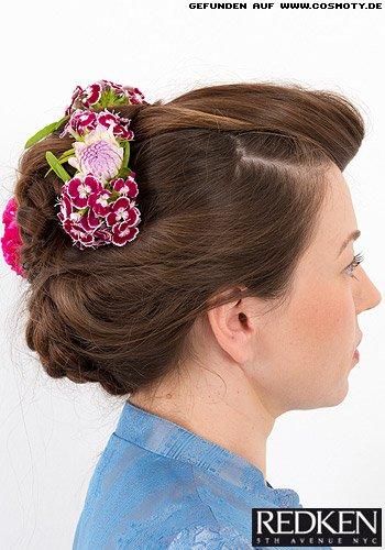 Haarschnecke zu geflochtenen Elementen im 50ies-Look
