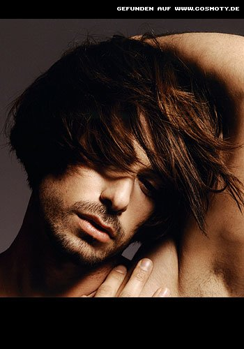 Halblanges Haar für den Romantik-Look