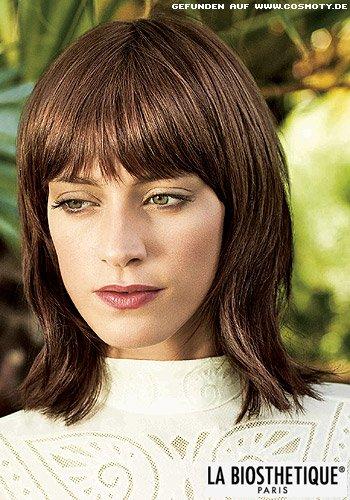 Halblanges Haar mit französischem Flair