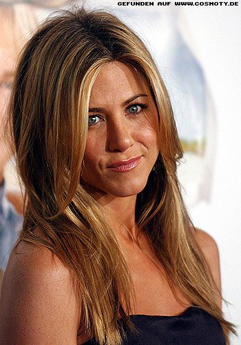 frisuren bilder jennifer aniston mit l ssigen sleek. Black Bedroom Furniture Sets. Home Design Ideas