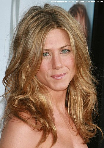 frisuren bilder jennifer aniston mit lockeren beach waves frisuren haare. Black Bedroom Furniture Sets. Home Design Ideas