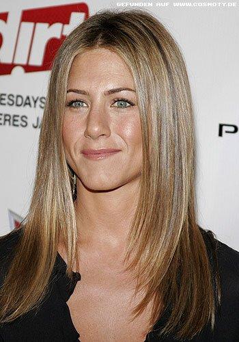 Frisuren Bilder Jennifer Aniston Mit Sleek Look Zum Mittelscheitel