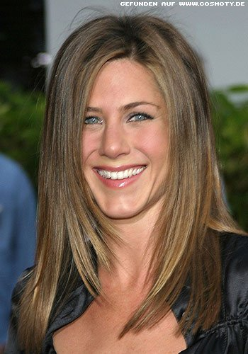 frisuren bilder jennifer aniston sleek hair zum seitenscheitel frisuren haare. Black Bedroom Furniture Sets. Home Design Ideas
