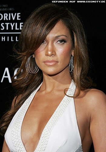 frisuren bilder jennifer lopez mit glamour s gewellter. Black Bedroom Furniture Sets. Home Design Ideas