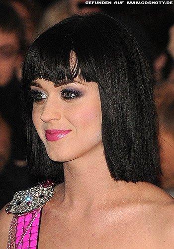 Katy Perry: Kinnlanger Bob mit strengen Konturen
