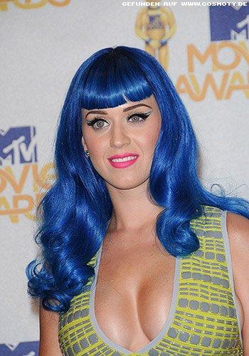 Katy Perry mit extravaganter Frisur im Comic-style