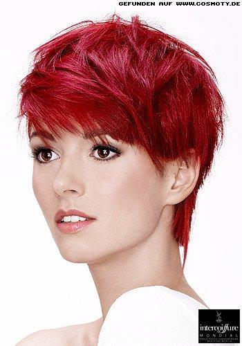 Knalliges Rot unterstreicht die Haarstrukturen