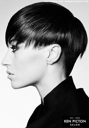 Kurzer Haarschnitt mit frei geschnittenen Ohren