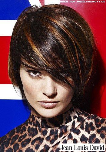 Frisuren Bilder Kurzer Stufenschnitt Mit Caramellfarbenen Strähnen