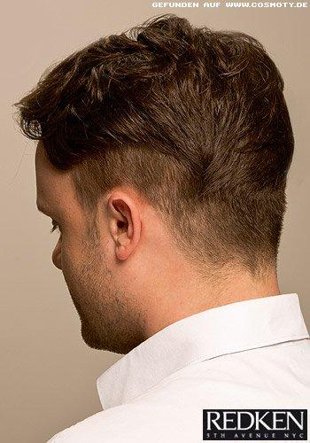 Kurzes Haar mit dezent gewellter Struktur