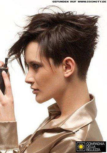 Kurzes Haar mit frech betontem Hinterkopf
