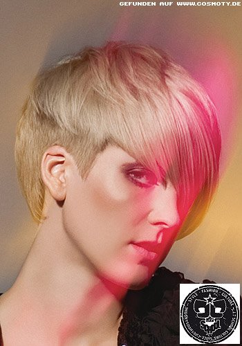 Kurzes Haar mit zackig geschnittene Konturen