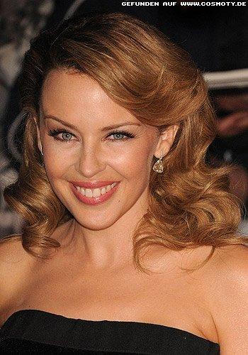 Kylie Minogue: Große Glamour-Wellen zum Seitenscheitel
