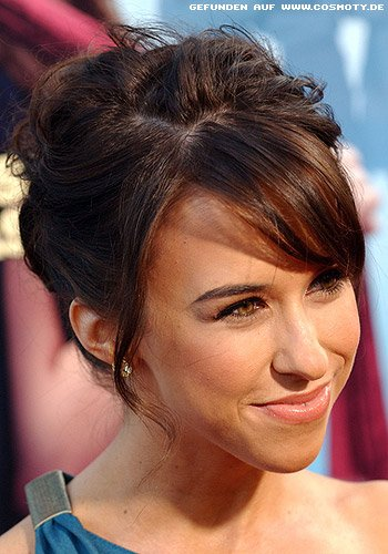 frisuren bilder lacey chabert locker gesteckte banane mit glamour frisuren haare. Black Bedroom Furniture Sets. Home Design Ideas