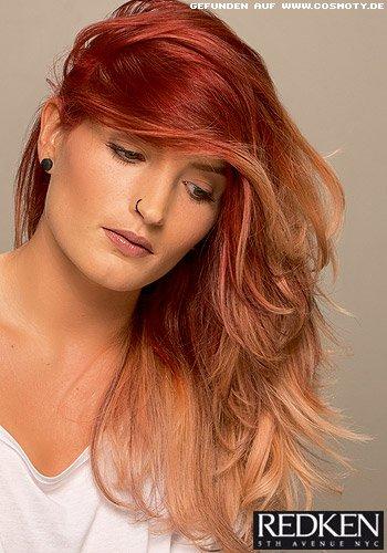 Langes Haar mit toller Farbe von rot zu erdbeerblond