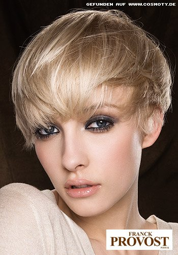 Leicht gestufter Kurzhaarschnitt für feines Haar