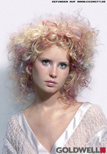 Frisuren Bilder Locken Mit Pastell Strähnen Im Hippie Style