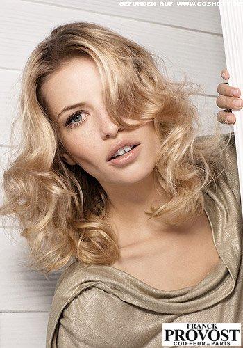 Frisuren Bilder Lockere Wellen In Blond Zum Dunklen Ansatz