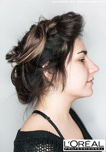 Locker hochgestecktes Haar im Undone Look
