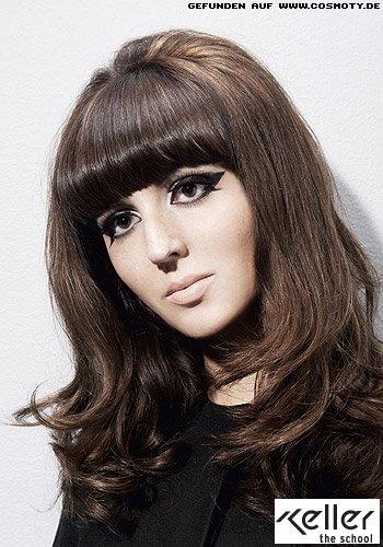 Mädchenhafter Retro-Look für langes Haar