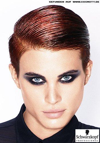 Maskulines Haarstyling für den kupferfarbenen Undercut