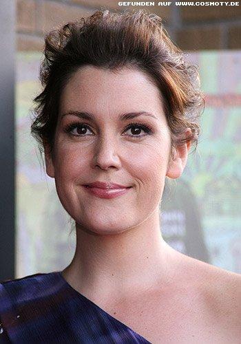 Melanie Lynskey: Locker zurück gestecktes Haar